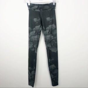 Lululemon | Black/Gray Cloud Leggings